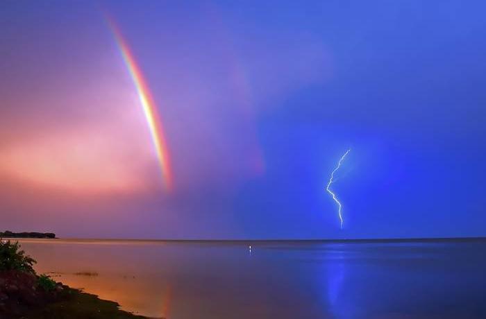 Rainbow_with_a_Lightning_Storm